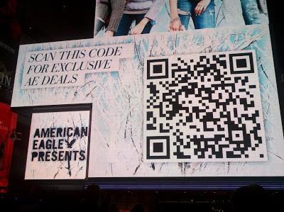 AmericanEagleOutfittersTimesSquare2010-11-16 6 erros no uso do QR code e como evitá-los. - Fred Alecrim